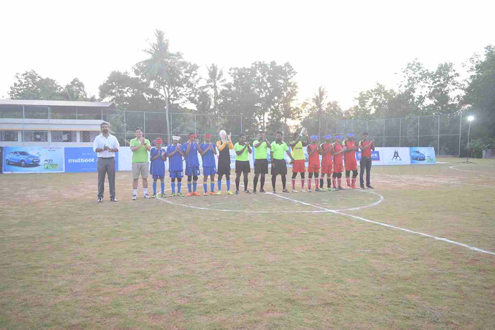 Team line up before match with actor Sijoy Varghese