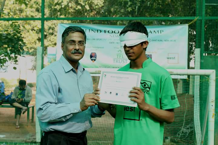 certificate distribution to players