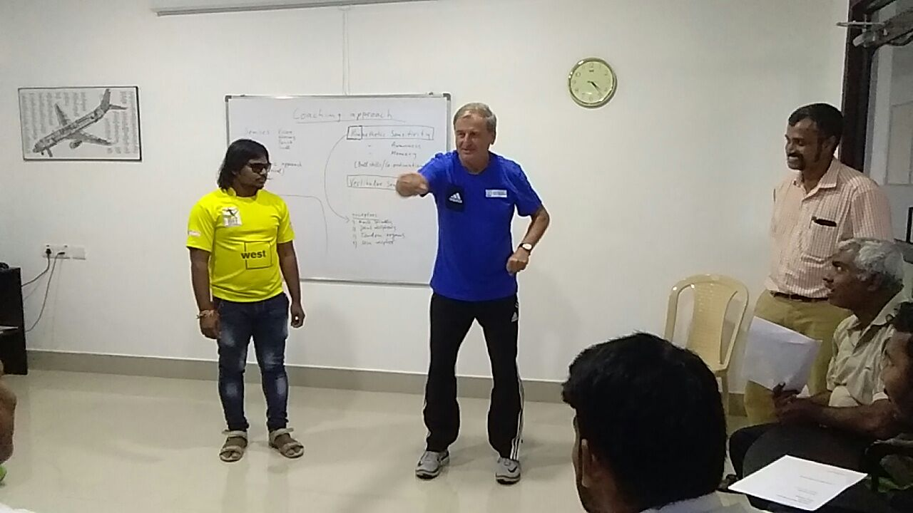training class by Ulrich Pfisterer at blindfootball academy