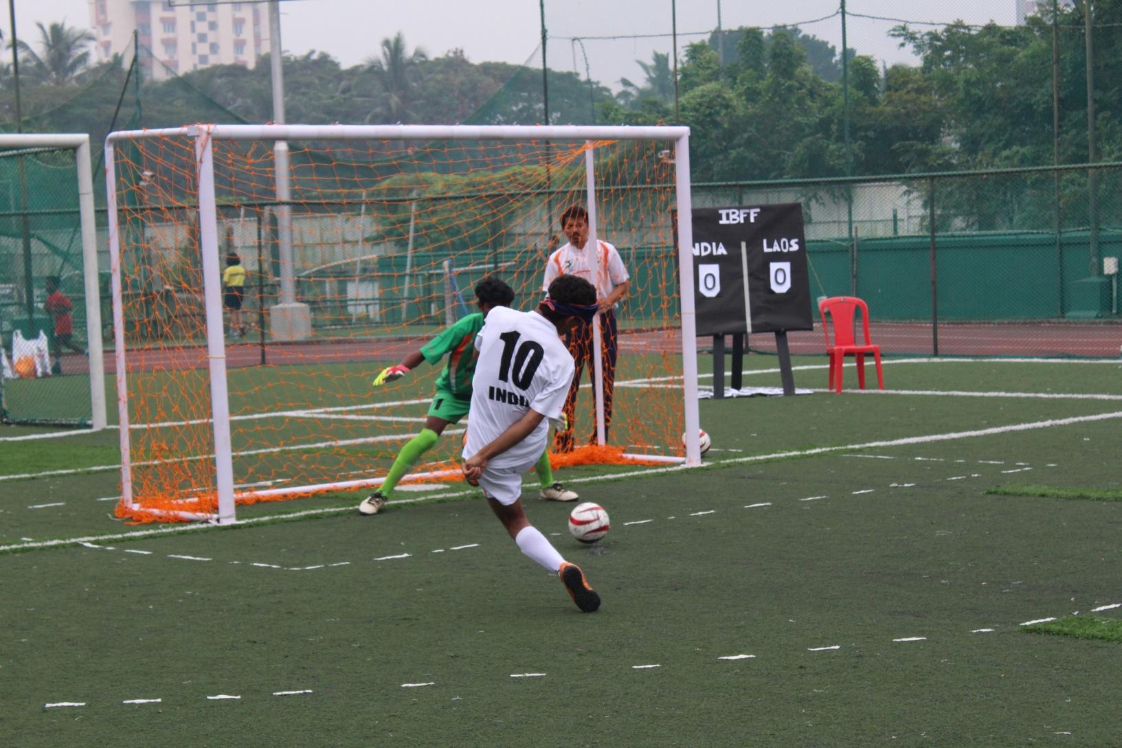kick ball to goal post